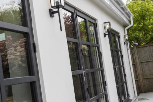 Aluminium - Bi Fold 1000 Series Door 3